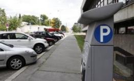 Praha a Roztoky nechají vypracovat studii parkoviště P+R