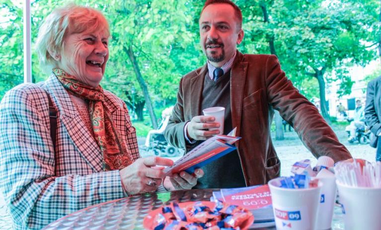 Kandidáti TOP 09 rozdali přes 5200 káv a 4000 lázeňských oplatek