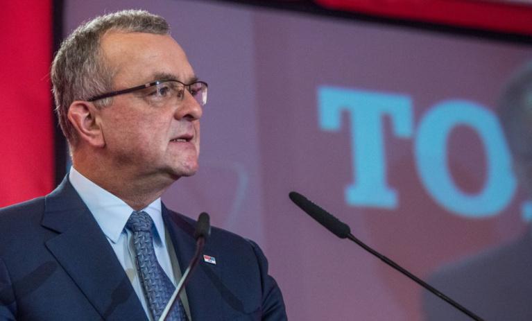 Kalousek: Babiš s SPD a KSČM vesele hlasuje, ale stydí se za ně