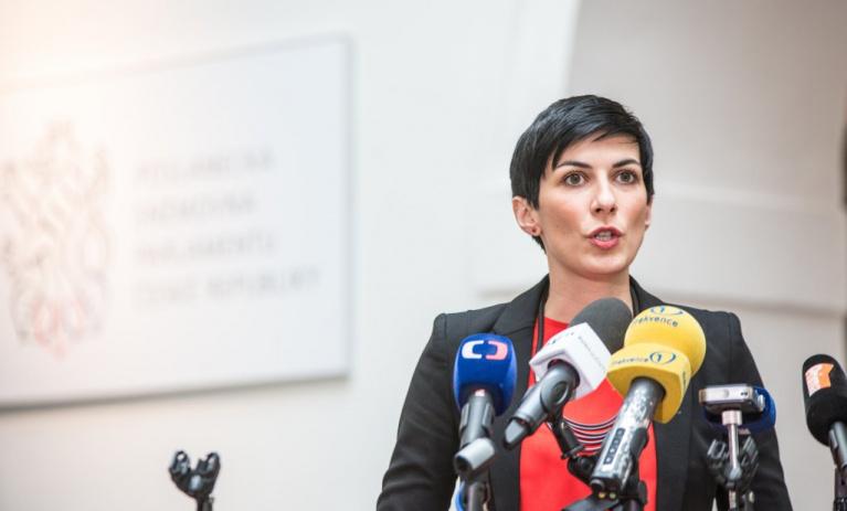 Ministr Prymula musí okamžitě rezignovat