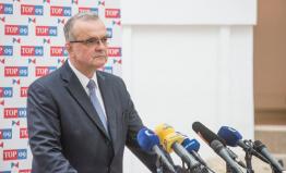 Kalousek chce prosadit zákaz utracení části provozních výdajů vlády