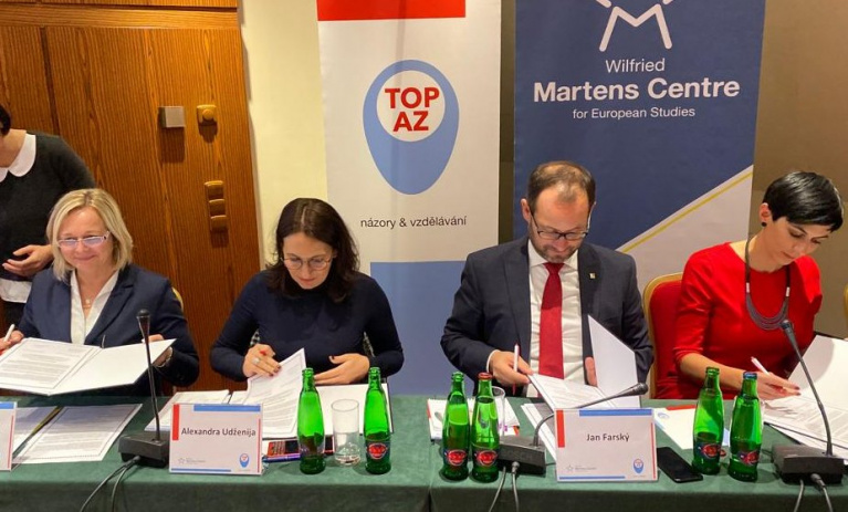 TOP 09, ODS, STAN a KDU-ČSL se zavázaly dodržovat pět pojistek právního státu