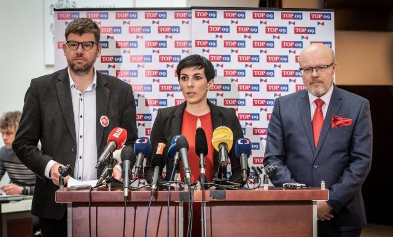 Předsedkyně TOP 09 vyzývá premiéra k omluvě europoslancům