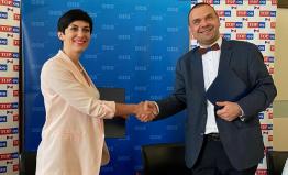 TOP 09 podepsala koaliční smlouvu s ODS a představila společnou kandidátku pro krajské volby