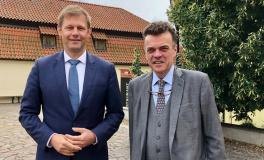 Čínské výhružky svědčí o absenci respektu k demokracii a evropským hodnotám, stojí v prohlášení senátora Czernina a poslance Bundestagu Thomase Erndla