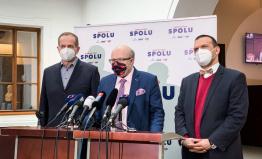 Anticovid tým: Česko zvažuje ruský Sputnik, přitom vláda zřejmě promeškala příležitost k nákupu pěti milionů vakcín firmy AstraZeneca. Je nejvyšší čas k nápravě