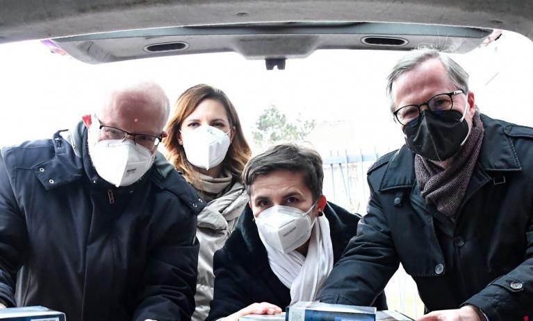 SPOLU jsme nakoupili respirátory pro potřebné