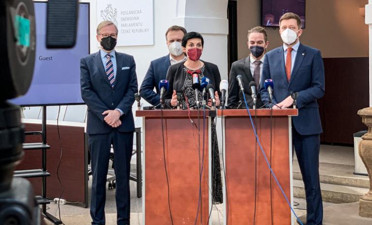 Předsedové demokratické opozice vyzvali vládu k důslednému vyřazení Ruska a Číny z tendru na dostavbu Dukovan