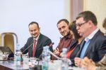 Petr Hlaváček hovoří na semináři k OV
