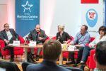 Jan Šír (FSV UK) hovoří na konferenci Trojský kůň