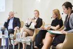 Panel řečníků, zleva: Michał Boni, Lucie Tungul, Ildikó Szenci, Veronika Neprašová